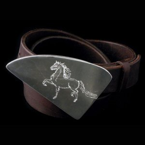 Metro Mod Man Triangle Equine Buckle BB-TE463