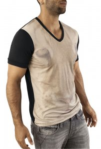 Vuthy Graphic V Neck Short Sleeved T Shirt Black/Beige 251