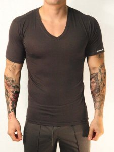 Whittall & Shon Viscose V Neck Short Sleeved T Shirt Black 307