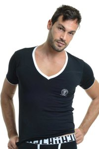 L'Homme Invisible Gym V Neck Short Sleeved T Shirt Black MY61-CON-001